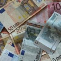 I conti correnti costano 77,6 euro all'anno. Ma se si passa online si paga