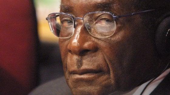 Zimbabwe, Robert Mugabe si è dimesso. Mnangagwa presidente ad interim