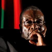 """Zimbabwe, finisce l'era Mugabe: 37 anni da eroe a tiranno. """"Solo Dio può destituirmi"""""""