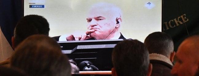 """Srebrenica, ergastolo a Mladic: video""""Colpevole di genocidio e crimini di guerra"""""""