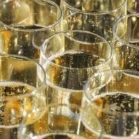 Il Moscato continua a piacerci, ma ora proviamo a bere anche l'Asti secco
