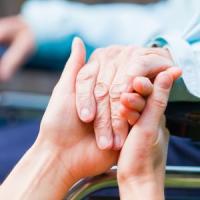 Parkinson, nell'80% dei casi ne risente la  salute di chi assiste il paziente