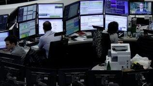 Borse Ue caute, Francoforte paga l'incertezza politica. Asia a nuovi record in scia a Wall Street