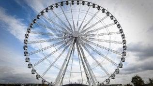 Parigi, sarà l'ultimo Nataleper la Ruota della Concorde.Hidalgo la manda in pensione