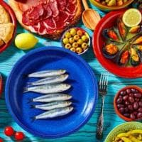 Mercato Mediterraneo, l'incontro di persone, cibi e culture dei popoli del Mare Nostrum