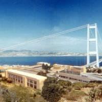 Il miracolo del ponte sullo Stretto: non c'è ma costa 1,5 milioni all'anno