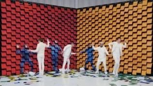 Ok Go, il videoclip è geniale: 567 stampanti 'sputano lo sfondo