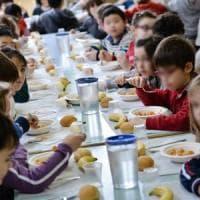 """Versilia, circolare della Asl per le mense a scuola: """"Non date il bis ai bambini""""...."""