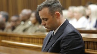 Per Pistorius pena più che raddoppiata in appello: 13 anni e 5 mesi per l'omicidio della fidanzata