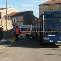 Sardegna, 'assalto' degli studenti pendolari al pullman: muore investito liceale di 14...