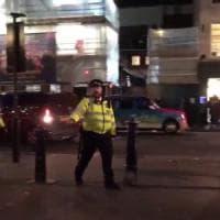 Londra, panico a Oxford Circus nel giorno del Black Friday. Poi l'annuncio della polizia:...