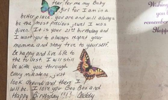 Buon Compleanno Mamma Lettere.Muore Per Un Tumore Padre Usa Regala Fiori E Una Lettera Alla