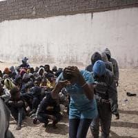 Pozzallo, testimonianze di gravissime violazioni dei diritti umani che i