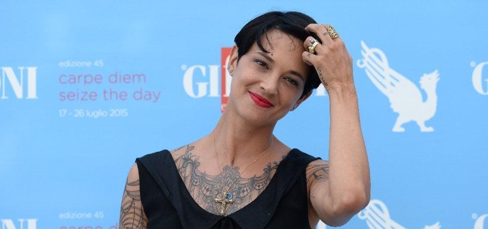 Asia Argento, festa del Ringraziamento con altre due attrici che accusano Weinstein