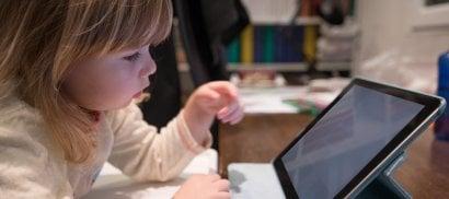 Bambini, manuale per l'uso  di smartphone e tablet  La guida per piccolissimi  di VIOLA RITA