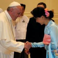 Papa Francesco in Myanmar, l'incontro con San Suu Kyi e il discorso: