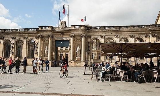 Vino, ponti, cultura. Bordeaux, mini-Parigi del Sud-Ovest