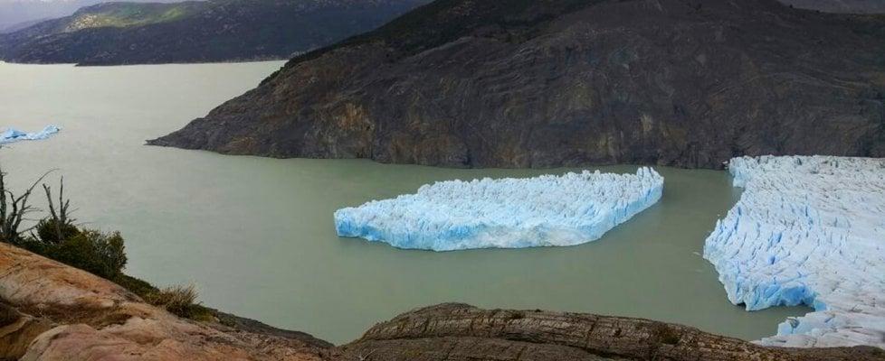 Cile, paura per il maxi-ghiacciaio che si è staccato dalla calotta