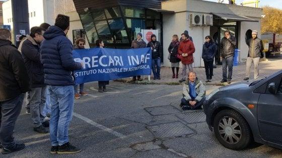 """La protesta degli astrofisici italiani: """"Il 40% è precario, situazione insostenibile"""""""