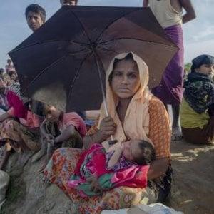 """Bangladesh, """"Scappano senza portarsi nulla e camminano per giorni e giorni"""""""