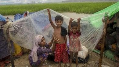"""Bangladesh, """"Scappano a migliaia ogni giorno senza portarsi nulla  e camminano per giorni e giorni"""""""