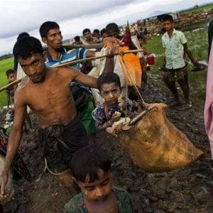 """Bangladesh, """"Il governo rinunci a trasferire 100.000 rifugiati rohingya su un'isola inabitabile"""""""