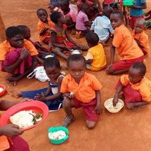 Kenia, il reddito di base in 40 villaggi poveri: il primo esperimento della storia