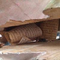 Una capsula del tempo in un crocifisso del '700: la scoperta in Spagna