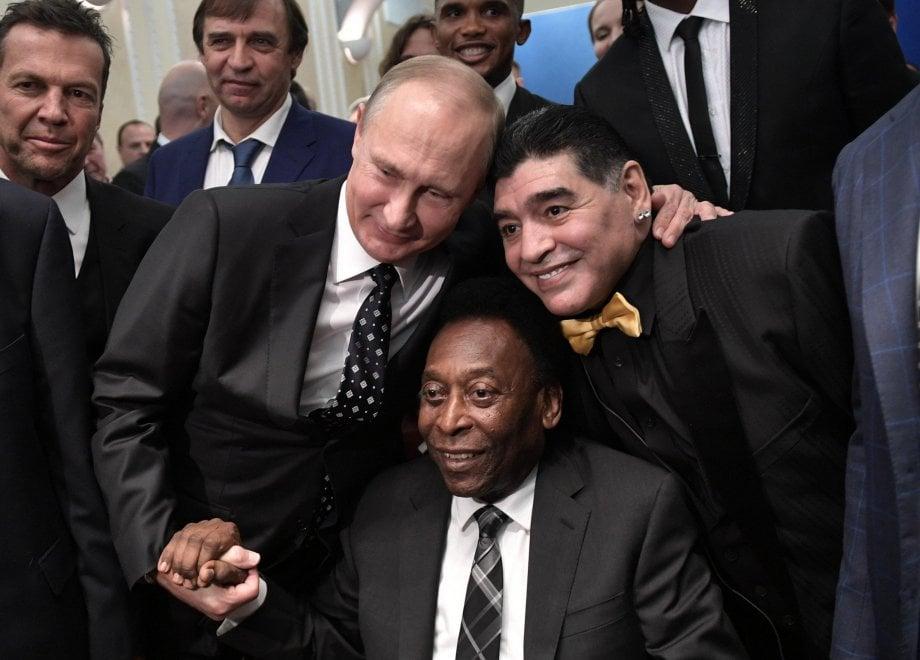 Da Maradona a Pelè: il sorteggio è una parata di stelle