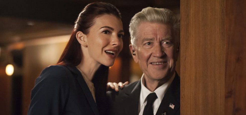 "Chrysta Bell, ""l'aliena"" che ha incantato David Lynch: ""È stata dura ma era destino"""