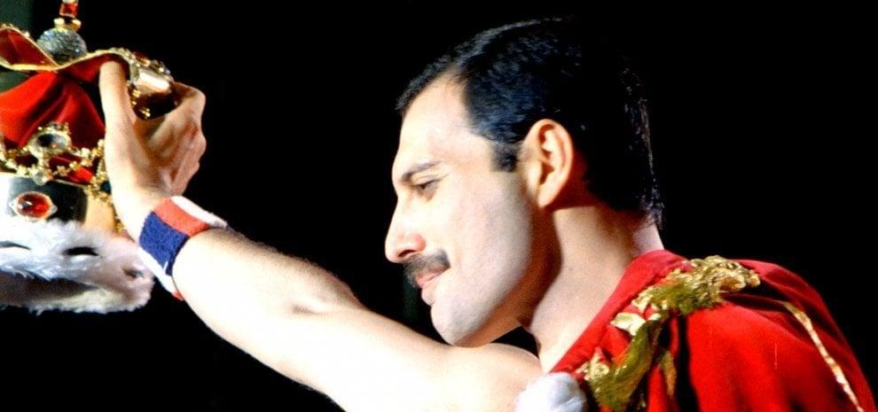 'Bohemian Rhapsody', interrotte le riprese del biopic diretto da Bryan Singer