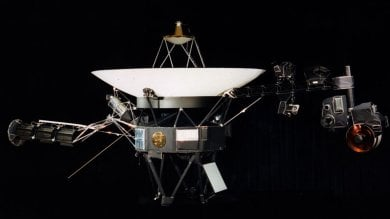 La sonda Voyager riaccende  i motori dopo 37 anni