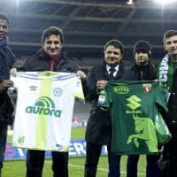 Torino in maglia verde per onorare la Chapecoense