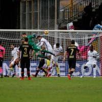 Benevento-Milan, il portiere Brignoli segna nel recupero