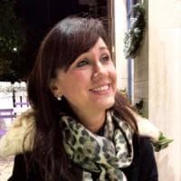 Linda Finocchiaro, con bende  e cerotti dall'Etna a 33 Paesi nel mondo