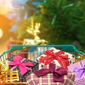 Italiani terzi in Europa per spese natalizie