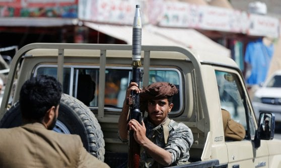 """Yemen, ucciso l'ex rais Ali Abdullah Saleh. Gli Houthi diffondono video: """"Ecco il cadavere"""""""