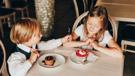 Cari genitori, volete fare stare bene i bambini al ristorante? Studiate queste 10 regole