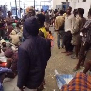 Libia, l'operazione che aiuta 15.000 migranti a ritornare a casa entro la fine dell'anno