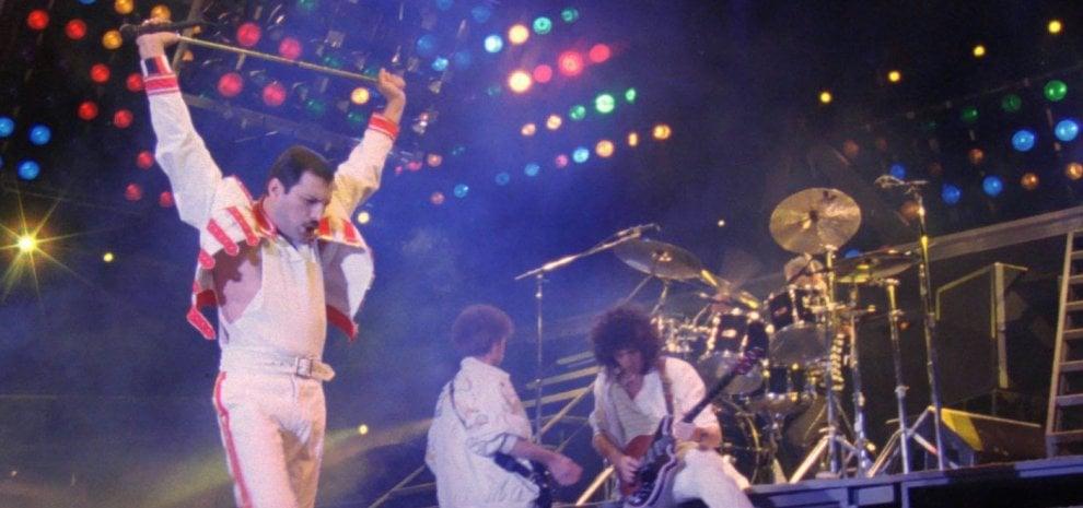 Bryan Singer rimosso: non dirigerà più il film su Freddie Mercury