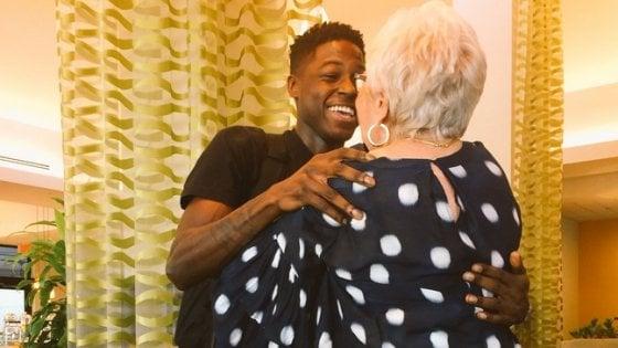 Lui 22 anni, lei 81: un'amicizia da un milione di like. Nata per gioco