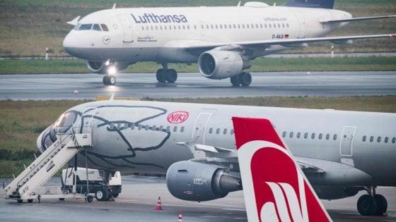 Bloccati 222 respingimenti: la protesta dei piloti tedeschi contro il rientro dei profughi
