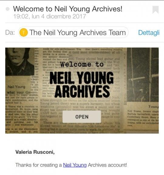"""Neil Young, c'è un mago (lui) dietro l'immenso archivio: """"Non dimenticate di divertirvi"""""""