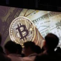 Bitcoin alle stelle, superata quota 12 mila dollari. Ora vale il doppio di Goldman Sachs