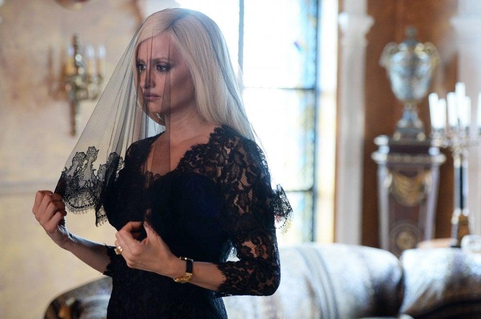 American Crime Story, a gennaio l'assassinio di Gianni Versace. E Donatella è Penélope Cruz