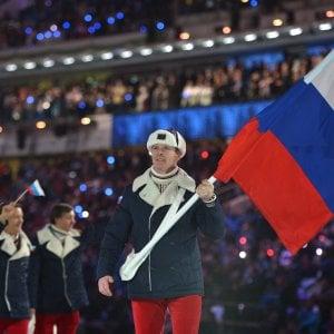 """Esclusione Giochi 2018, Putin dice no al boicottaggio: """"Ok ad atleti russi neutrali"""".  Squalifiche Sochi, in 22 ricorrono al Tas"""