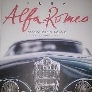 """In libreria """"Pura Alfa Romeo, leggenda, cultura, passione"""""""