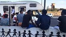 Un presidio mobile  per migranti in transito gestito da volontari