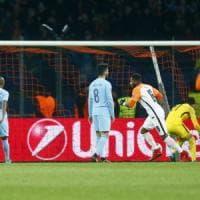 Champions, lo Shakhtar batte il City e va agli ottavi. Ronaldo da record. Il Liverpool ne fa sette