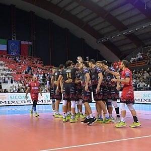 Volley, Champions: Atanasijevic stende Civitanova, il derby in rimonta a Perugia